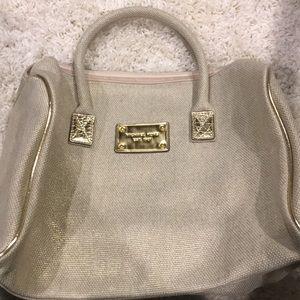NWOT: Michael Kors beauty handbag